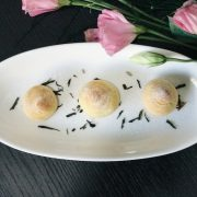 Mini Cream Puff w Earl Grey Cream 2